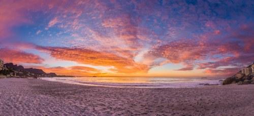 CapeTown Beach_167962373_1024x470