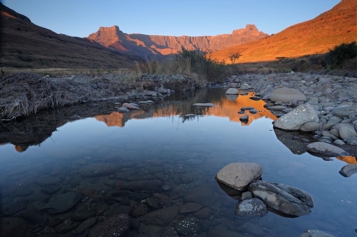Drakensberg_BGTDF7.jpg