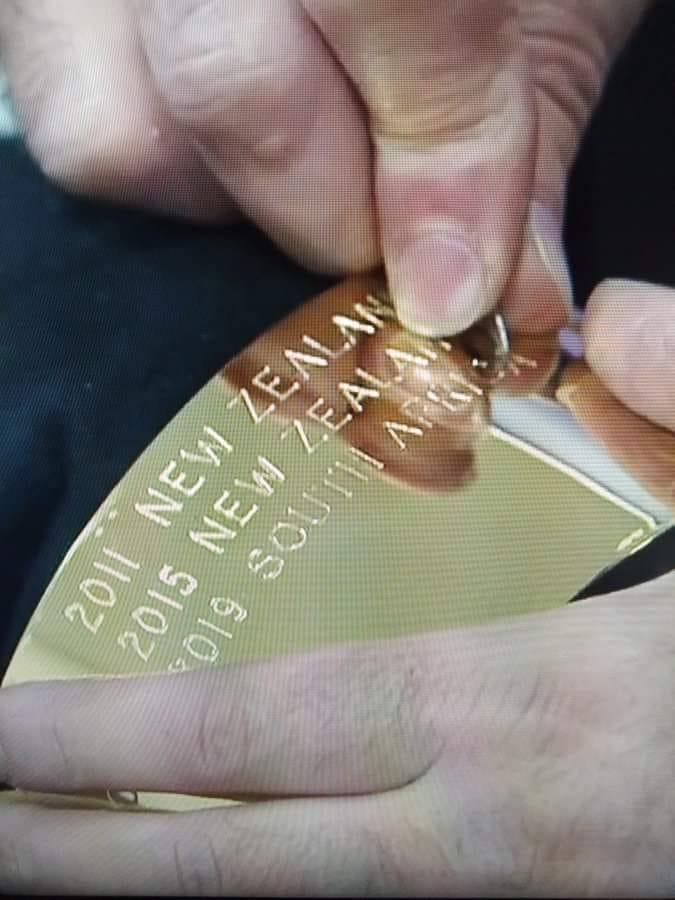 Trophy engrage.jpg