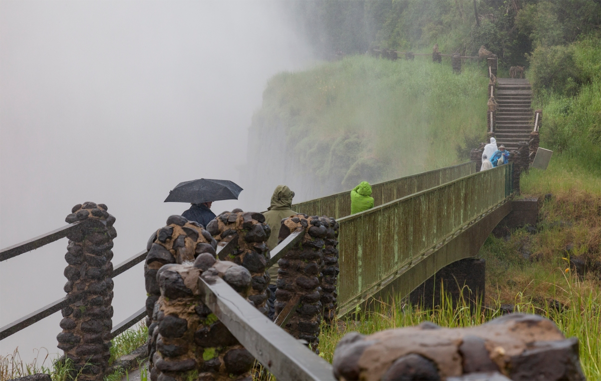 Knife Edge Bridge Victoria Falls Zambia-519122482.jpg