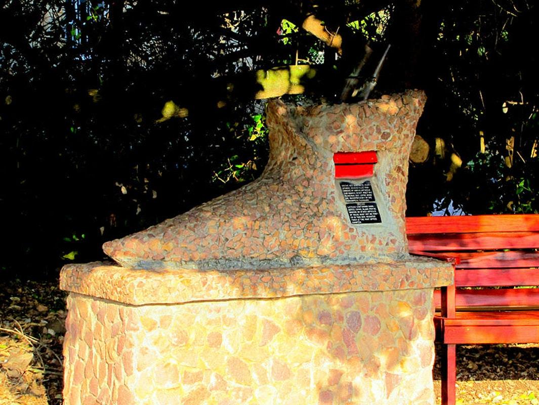 Mossel Bay Post Office Tree.jpg