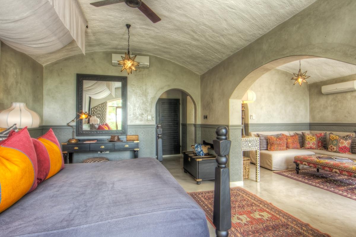 chobe-game-lodge-suite-main-bedroom